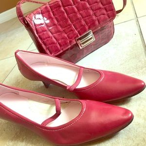 Kenneth Cole reaction heels with shoulder purse